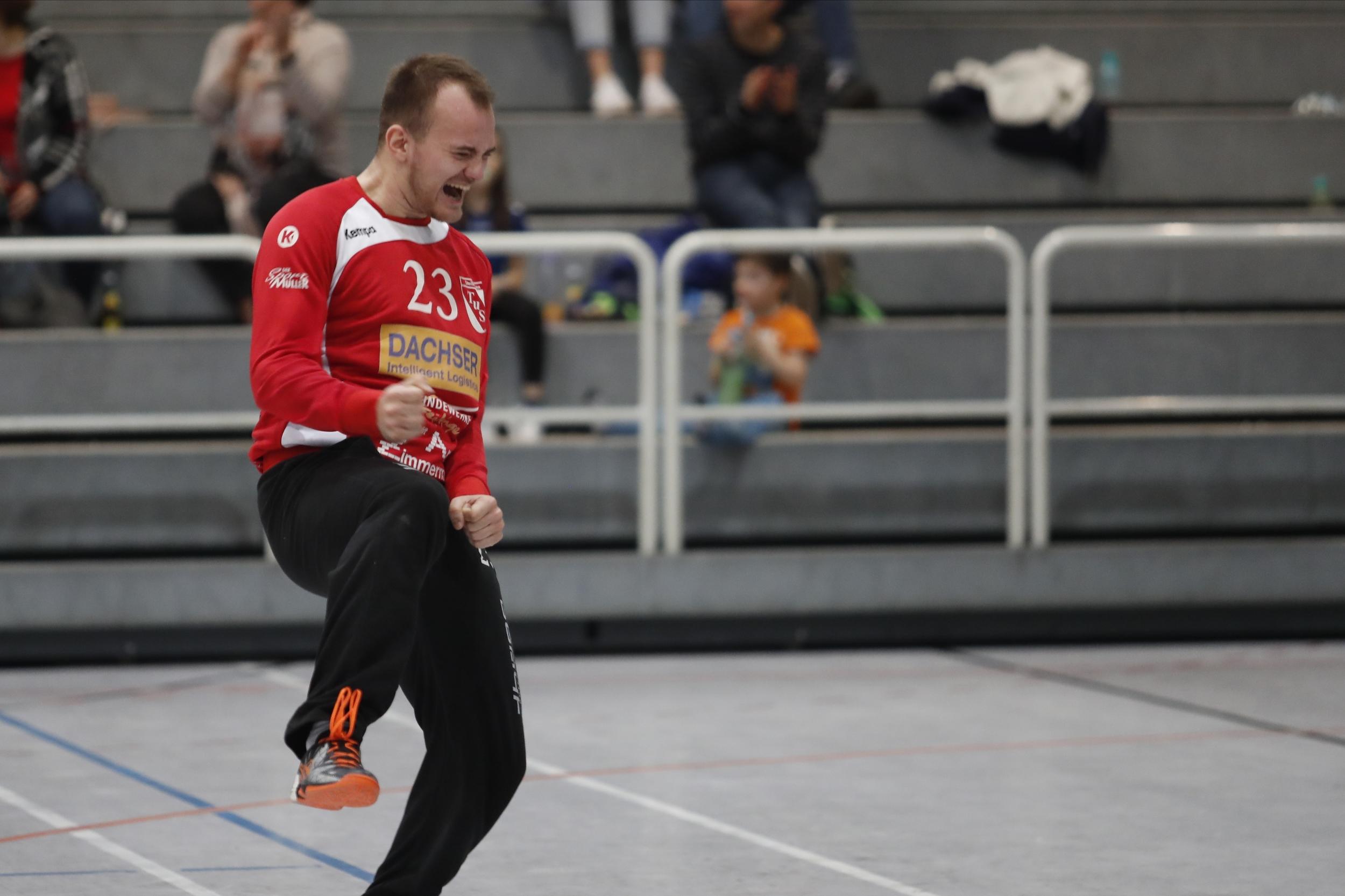 Dominik Walter TuS Steisslingen beim Spiel in der Südbadenliga zwischen dem TuS Steißlingen und der SG Muggensturm in der Mindlestalhalle in Steißlingen