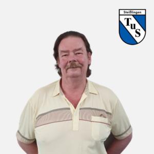 Klaus Hettesheimer mit Logo