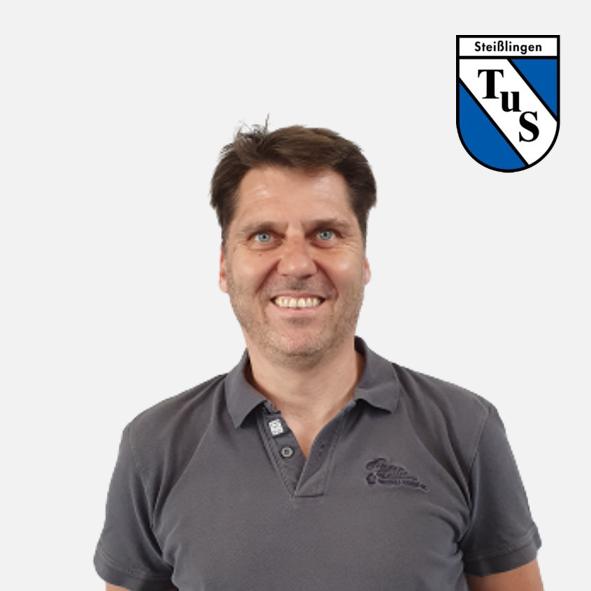 Sven Bauer mit Logo